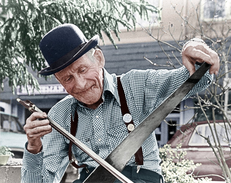 Playing A Saw : jim turner the well tempered saw grapewrath ~ Hamham.info Haus und Dekorationen
