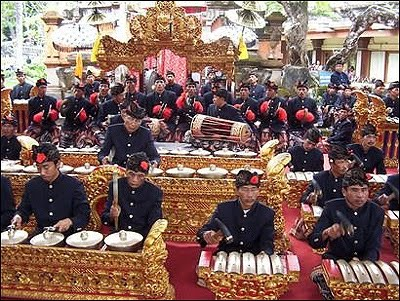 Bali: Gamelan  Kecak  grapewrath